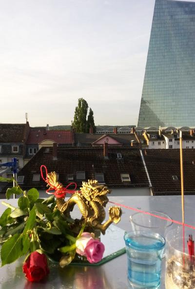 Aktivierung der kraftvollen Waterdragon Energie für ein Penthouse, based on I Ging Feng Shui.
